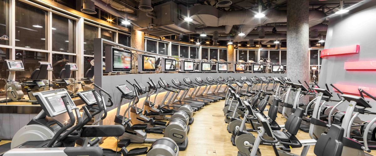 Fitness First Platinum Q House Lumpini Cardio Area
